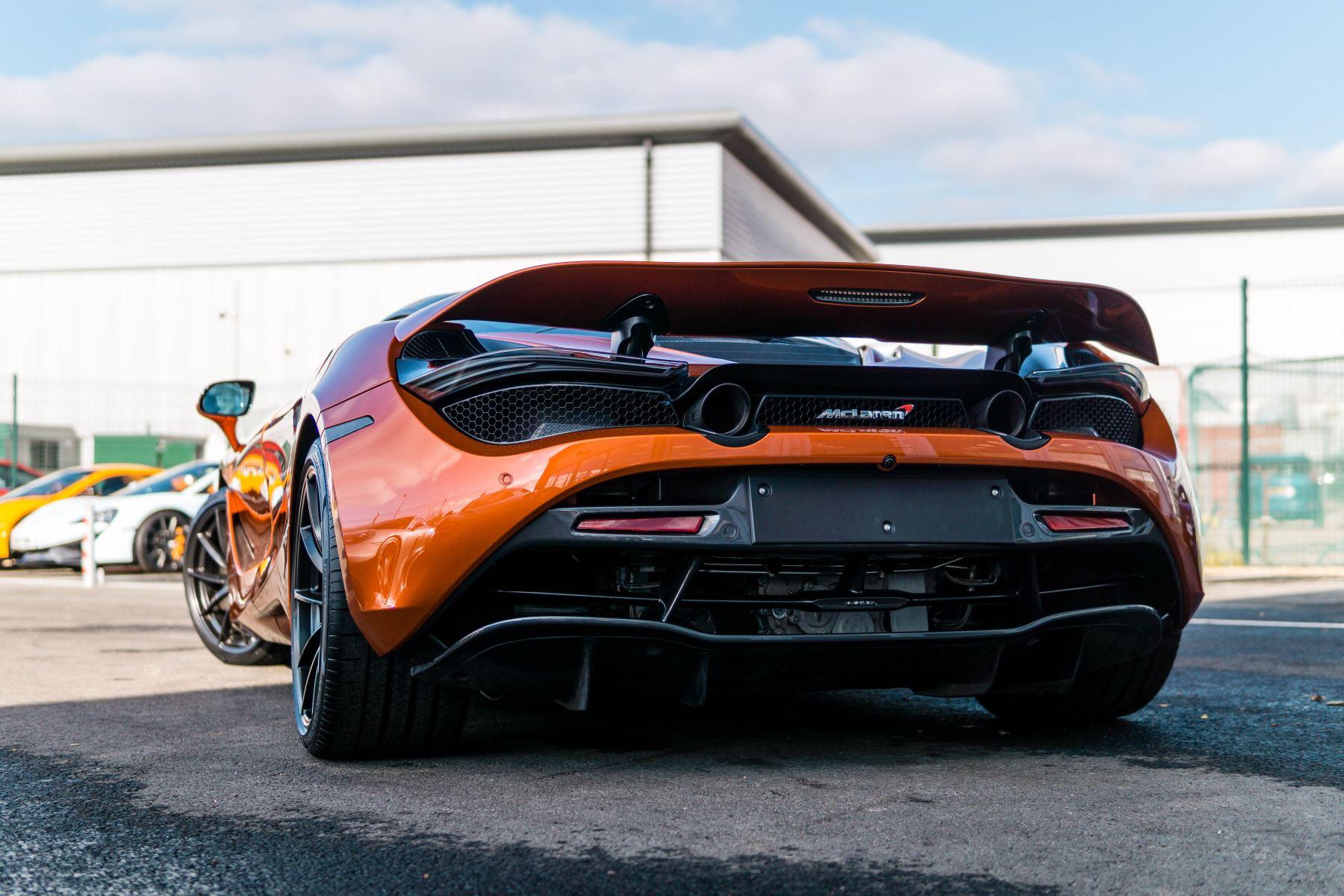 McLaren 720S V8 2dr SSG PERFORMANCE image 28